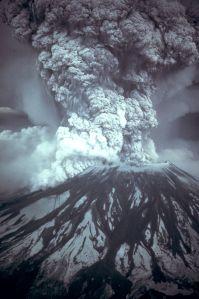 640px-MSH80_eruption_mount_st_helens_05-18-80