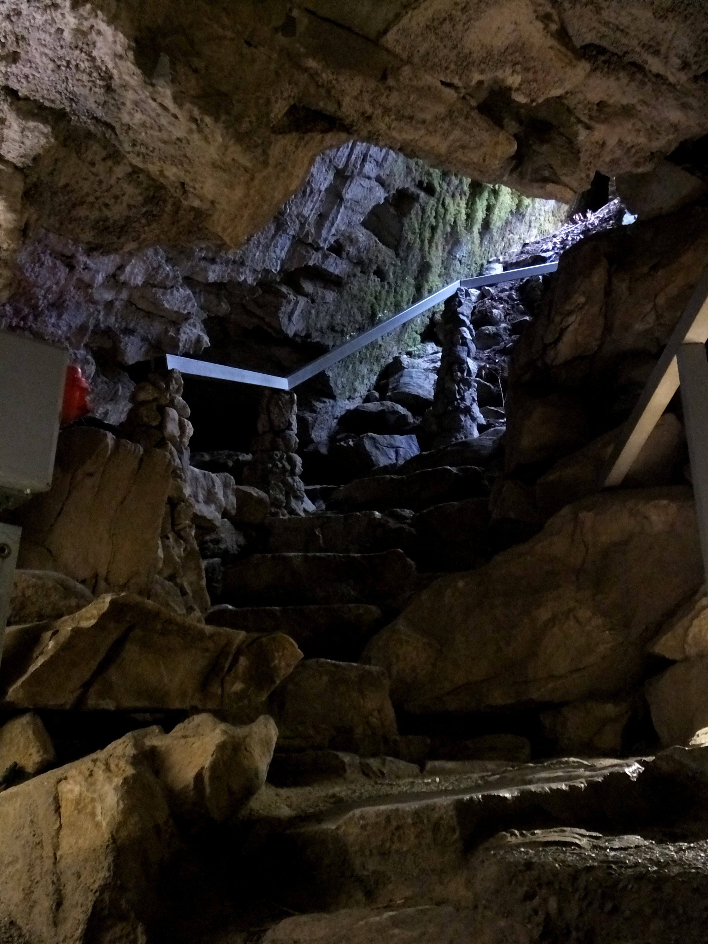 cave junction Come discover the marble halls of oregon on one of our three guided tours of the cave.